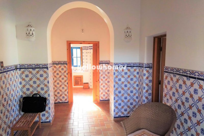 Traditional 2-bed country house with pool in quiet location near Porches